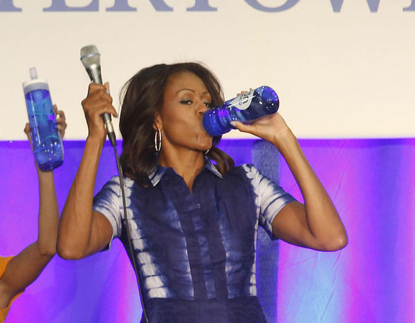 la-oe-goldberg-column-michelle-obama-water-201-001